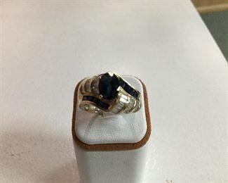 Yellow gold, sapphire and diamond ring