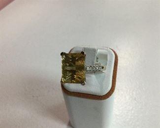 Yellow gold, citrine and diamond ring
