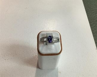 White gold, tanzanite and diamond ring