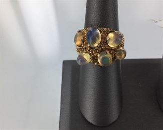 Yellow gold and jelly opal ring