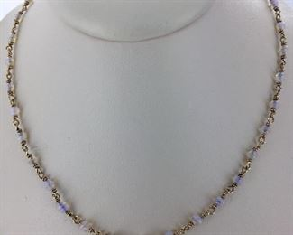 Yellow gold and opal necklace