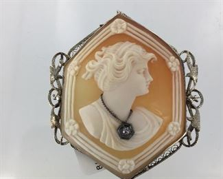 Gold and diamond cameo brooch
