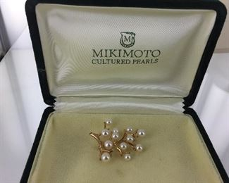 Mikimoto yellow gold and pearl brooch