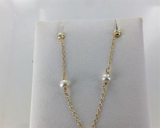 Yellow Gold Plate and Pearl Necklace