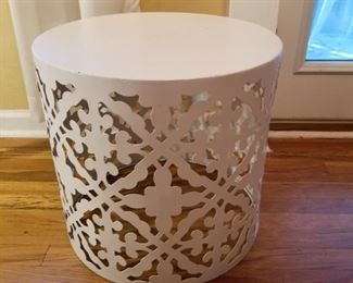 Metal table stand w/pierced side decoration