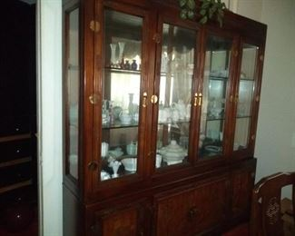 Nice Bernhardt Dining Room Suite.  China cabinet, sideboard, dining table & 6 chairs.