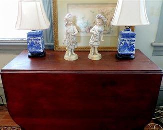 DROP LEAF TABLE AND PAIR OF BLUE WILLOW LAMPS AND PORCELAIN FIGURINES