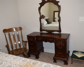 Anthes-Baetz Antique Vanity with Detailed Carving and Mirror.