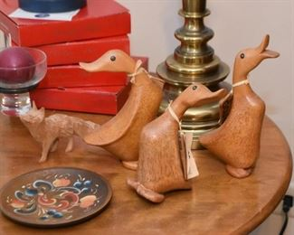Wood Carved Duck Figurines