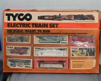 Tyco Electric Train Set