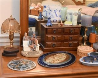 Figurines, Vases, Jewelry Boxes, Glassware & Vanity Items, Etc.