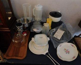 Kitchen Ware Lot #: 18