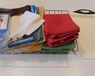 Kitchen Items Lot #: 49