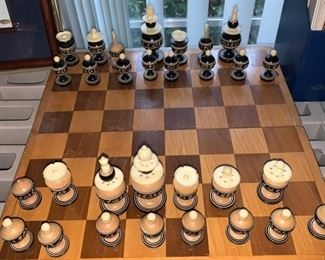 Gorgeous Chess Set -  Self Contained