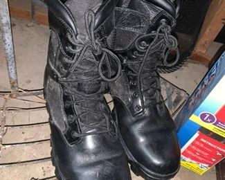 Like New Men's Boots