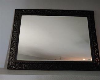 Multiple large mirrors available
