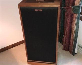 005 Set of Klipsch Forte Speakers