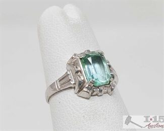 151: 10k Gold Ring with Gemstone, 1.1g Weighs approx 1.1g, approx size 4  J13 4 of 5