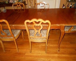 Queen Anne style drop side dining table and 6 chairs