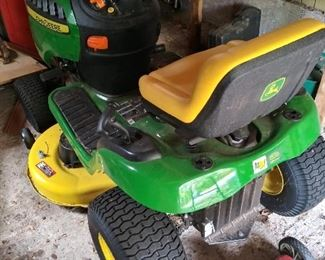 John Deere Lawn Tractor with very low miles. Like brand new!