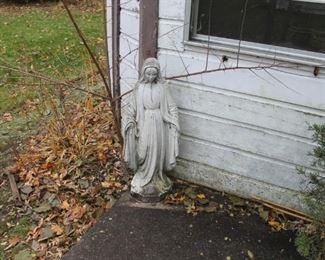 Concrete garden statuary