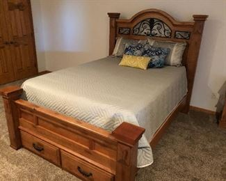 Queen bed rm set