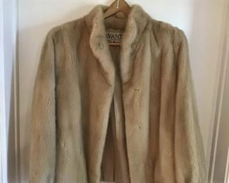 Natural Pearl Mink Jacket https://ctbids.com/#!/description/share/269134