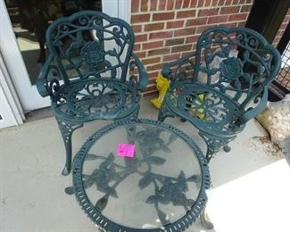 Cast Iron Garden Set https://ctbids.com/#!/description/share/268657