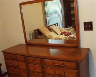 Mid Century Modern Bedroom set in Incredible Condition!!