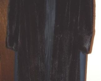 Beautiful Blackglama Mink Coat!