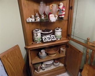 Lot 252 - Contents Only of Corner Cabinet