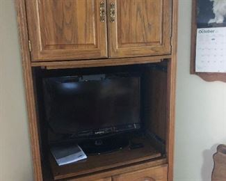 Nice oak tv stand and Tv