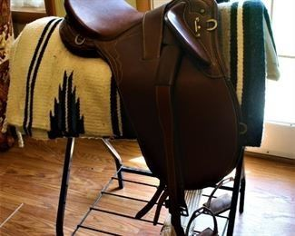 Endurance Saddle Side - Awesome and perfect for Trail Rides, Endurance or Cross Country Meets