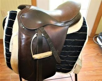 Nice Hunt Saddle/Close Contact