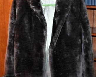 Silver Mouton Fur with silver lining