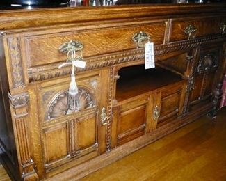 A closer look at the Vintage Bar/Server