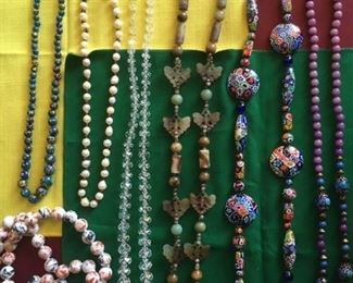 SAMPLING OF ASSORTED BEAD COLLECTION