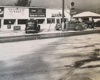 LaSalle's in the winter of 1949, when it snowed in Ventura.