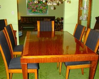 Henredon Dining Table w/ 8 Chairs