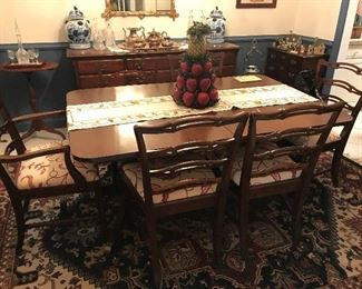 Duncan Phyfe Dining Table / 6 Chairs / 3 leaves (one chair needs repair) $ 378.00