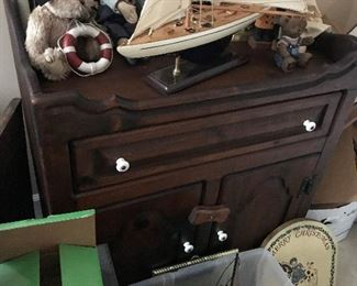 Dry Sink / Cabinet $ 128.00