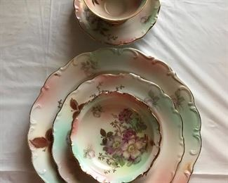 Large Service for 12 with many extras Schumann - Arzberg Wild Rose
