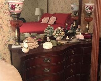 Mahogany antique dresser everything goes, photo is pre-setup