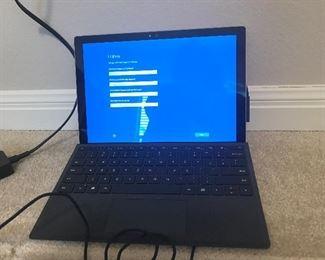 NIB Microsoft Surface Pro 4