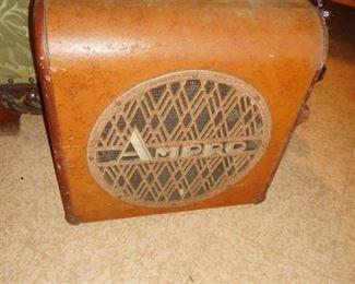 Very Cool..Art Deco Ampro Sound Speaker in Case