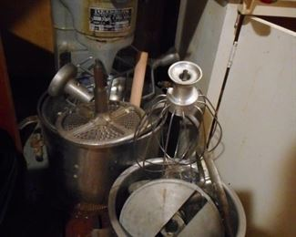 Industrial 4 Speed Reynolds Mixer with All Parts. Used for Bakery..He used it for Dough..and baking..loved it!!