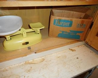 Harper Scale with Box