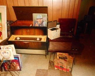 Mid Century 1940ish Grundig Phonograph MultiSonic Sound . WORKS!!