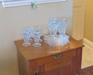 Reproduction icebox table