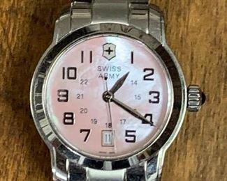 Victorinox Swiss Army Watch https://ctbids.com/#!/description/share/271301